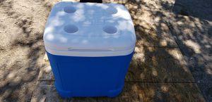 Igloo Ice Cube Cooler for Sale in Juniper Hills, CA