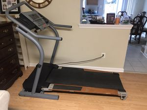 Reflex Deck treadmill 2500R for Sale in Herndon, VA