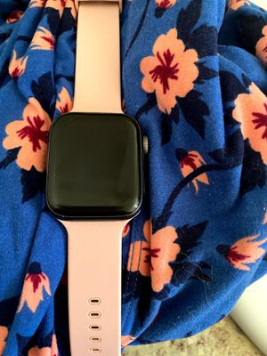 Apple Watch 4 44mm for Sale in Tucson, AZ