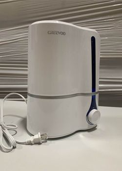 New in box GREEVOO cool mist humidifier large 3.8 liter capacity with auto shut off built in ceramic filter for Sale in Los Angeles,  CA