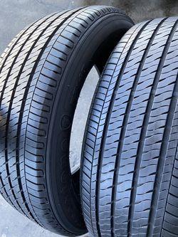 Vendo par de neumáticos Firestone con buena rodadura 205/55/16 for Sale in Covina,  CA