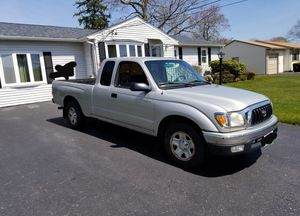 "2002 TOYOTA TACOMA ""2x4"" Estandard for Sale in North Providence, RI"