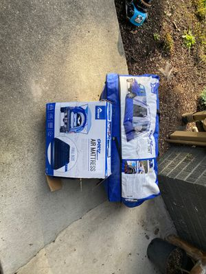 Napier sports suv tent/ full size air mattress for Sale in Mukilteo, WA