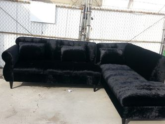 NEW 9X7FT VELVET BLACK FABRIC SECTIONAL COUCHES for Sale in Altadena,  CA