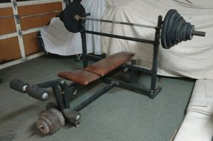 400# weights and bench for Sale in Atascadero, CA