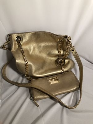 Very nice Michael Kors women's purse and wallet for Sale in Chino, CA