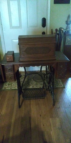 1891 Singer sewing machine for Sale in Valrico, FL