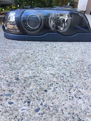 BMW r/f headlight for Sale in Sacramento, CA