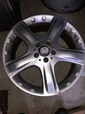 """Set of Four Mercedes Benz Oem Wheels 19"""" for Sale in Providence, RI"""