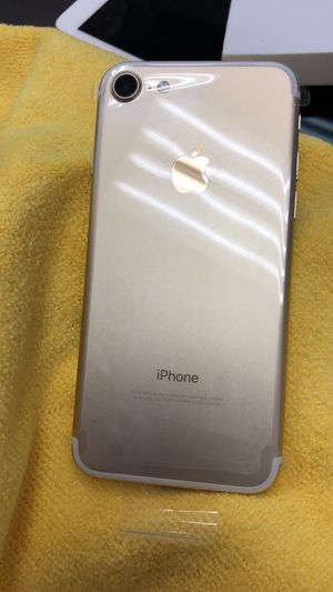 iPhone 7 128 GB unlocked T-Mobile MetroPCS for Sale in Pico Rivera, CA