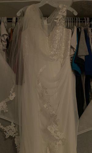 David bridal dress size 10 for Sale in St. Petersburg, FL