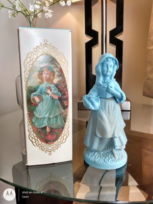 AVON 1972 LITTLE GIRL BLUE BROCADE COLOGNE DECANTER for Sale in Belleville, MI