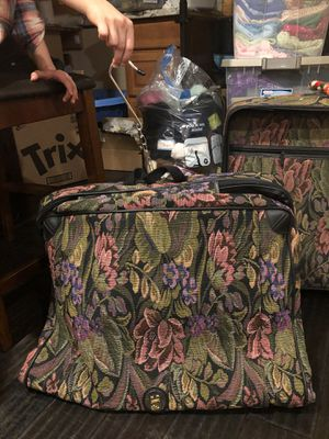 4 travel bags for Sale in Tacoma, WA