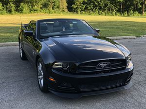 2014 Ford Mustang Convertible V6 for Sale in Dearborn Heights, MI