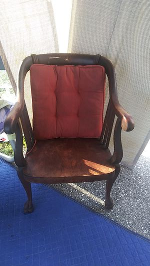 Antique chair for Sale in Lake Worth, FL