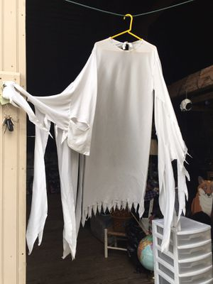 Ghost robe adult large Halloween Costume* clean GUC for Sale in West Chester, PA