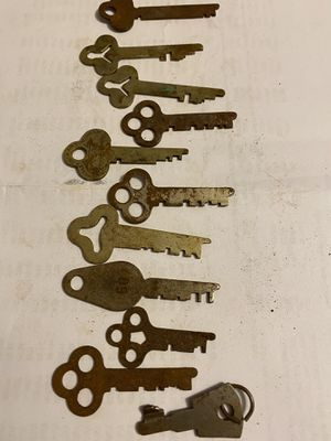 """Lot of 10 flat keys 2"""" long for Sale in Gambrills, MD"""
