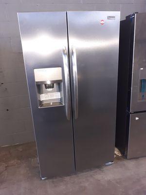 Frigidaire side by side fridge with warranty at dmv wholesale for Sale in Lorton, VA