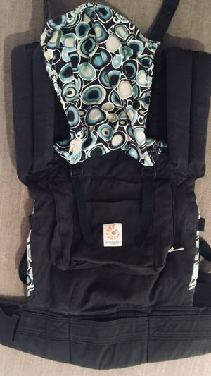 Organic Ergobaby Baby Carrier for Sale in Los Angeles, CA
