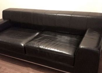 Black leather Sofa for Sale in Chicago,  IL