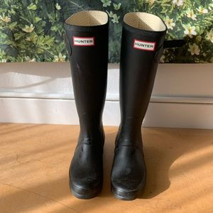 Hunter Boots, Black, 6M/7F, Stylish, Casual Rain Boots, 60 OBO for Sale in Tolleson, AZ