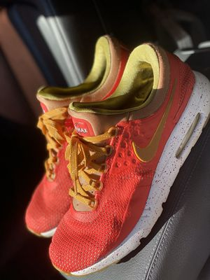 Nike Air Max 90 size 10.5 for Sale in Claremont, CA
