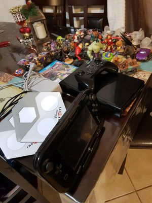 Nintendo Wii U set plus Extras for Sale in Houston, TX