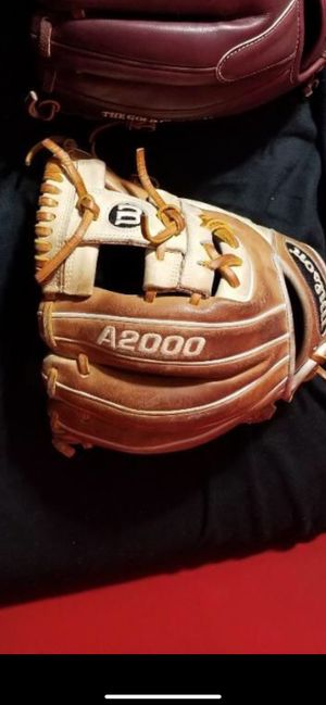 Baseball glove for Sale in Katy, TX