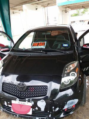 Toyota Yaris 2008 184000millas en muy buen estado todo le jala bien $2800 o mejor oferta for Sale in Castle Hills, TX