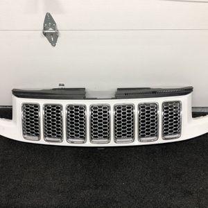 2014 - 2016 Jeep Grand Cherokee Grille for Sale in Dearborn, MI