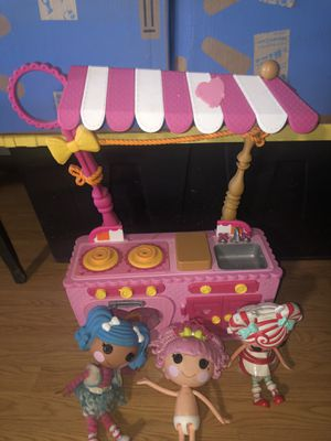 Lala loops Kitchen and 3 dolls for Sale in Rancho Cucamonga, CA