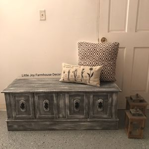Farmhouse Mix Mid Century Lane Cedar Chest/Storage Bench/Sitting Chest for Sale in West Covina, CA