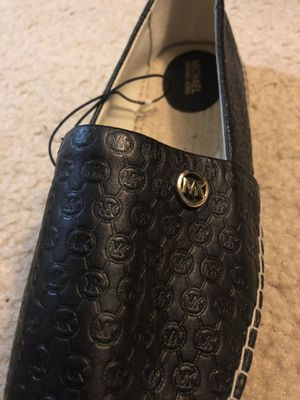 Michael kors orignal women shoes size 8/5 they are over 100$ in Macy's and Other outlets for Sale in Burke, VA