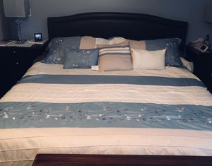 King Platform Bed for Sale in Warren, NJ