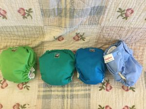 Newborn with attached liners Cloth Diapers for Sale in Victorville, CA