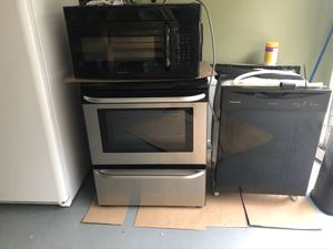 Freezes /oven / dishwasher/ microwave for Sale in Nashville, TN