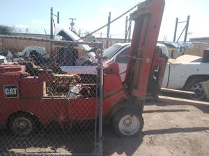 Forklift for parts for Sale in Phoenix, AZ