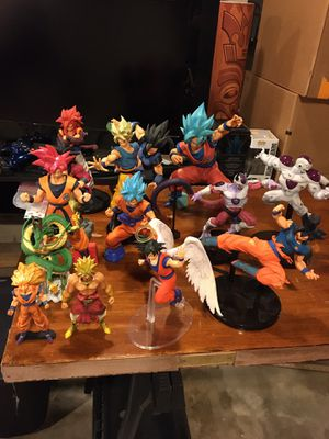 Dragon ball z Figures for Sale in Cincinnati, OH
