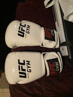 Ufc Boxing Gloves 14oz for Sale in Gary, IN