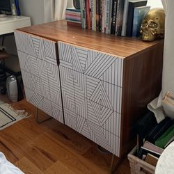 2 Shelf Decorative Cabinet for Sale in Brooklyn,  NY