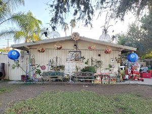 Outdoor Christmas Decorations for Sale in Garden Grove, CA
