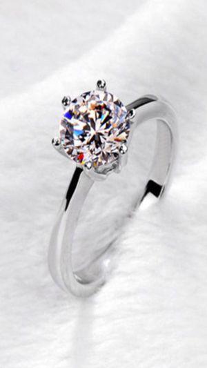 WOMANS BRAND NEW ELEGANT PRINCESS CUT SOLITAIRE wHITE TOPAZ ENGAGEMENT RING BAND for Sale in Phoenix, AZ