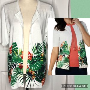 NWT Christopher Banks Tropical Cardigan Size L for Sale in New Port Richey, FL