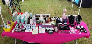 Avon items and gift sets for Sale in Port Richey, FL