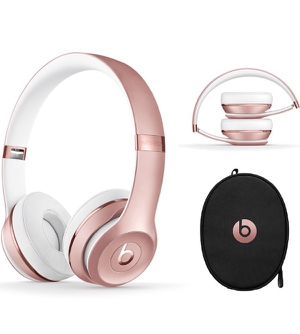 BRAND NEW rose gold beats 3 wireless for Sale in Chicago, IL