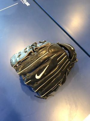 Nike baseball glove for Sale in Pateros, WA