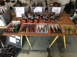 Lot of New Hand Tool Samples for Sale in Hoffman Estates, IL