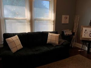 Black couch for Sale in Columbus, OH