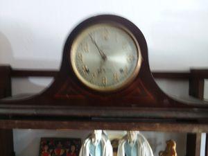 2 clocks antique for Sale in Miami, FL