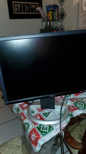Computer monitor for Sale in Alafaya, FL